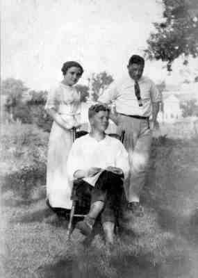 Frances, Hibbard, and Grover Broadfoot
