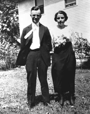 Harry Ray MacMartin and Frances Eula Broadfoot.